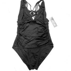 NWT runched swimsuit sz 8